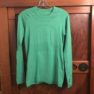 Lululemon greens long sleeve run swiftly top sz 8